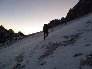...streift das erste Sonnenlicht die Gipfel.